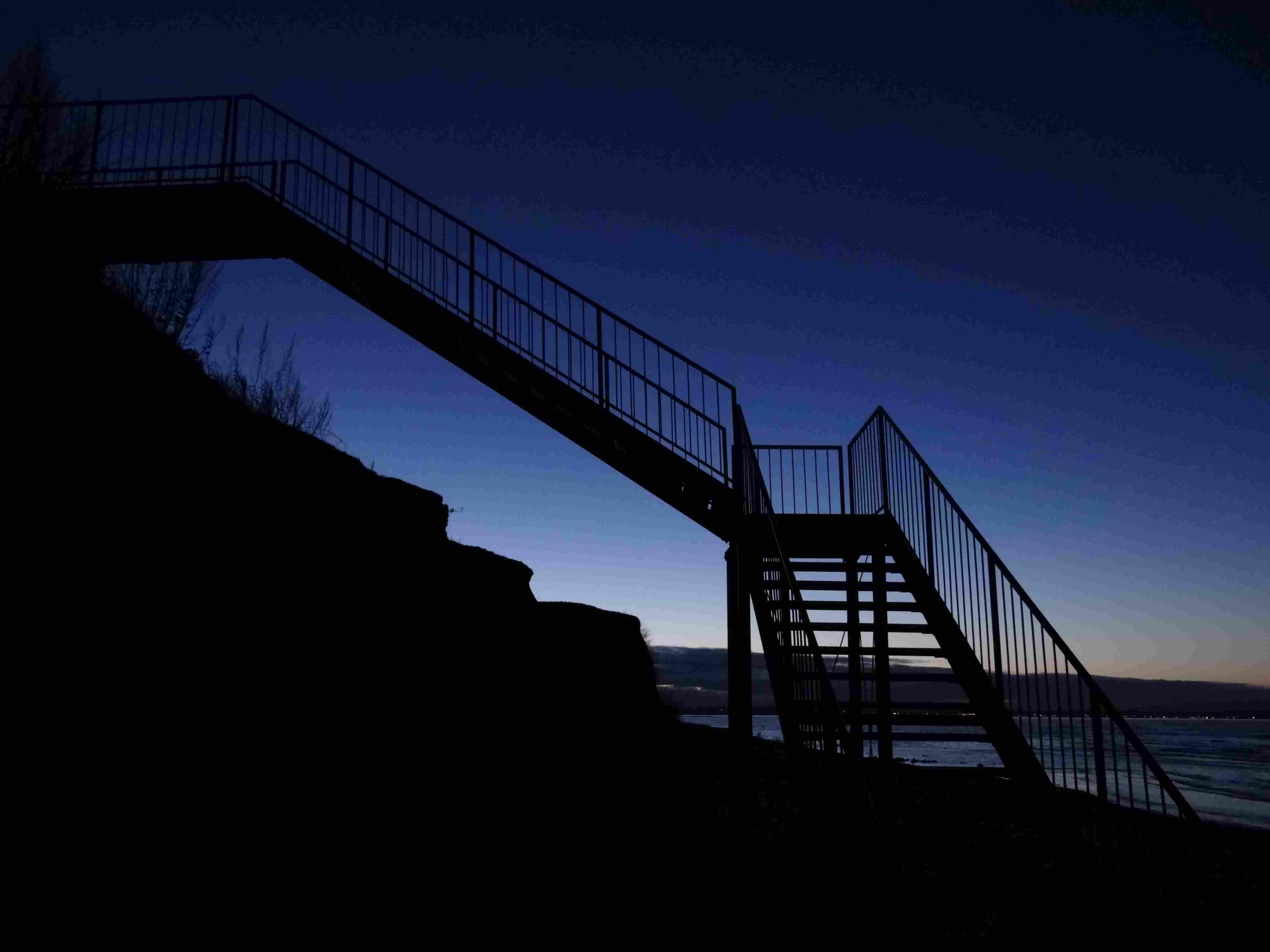 Treppe in die Nacht